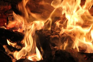 kamin flamme feuer