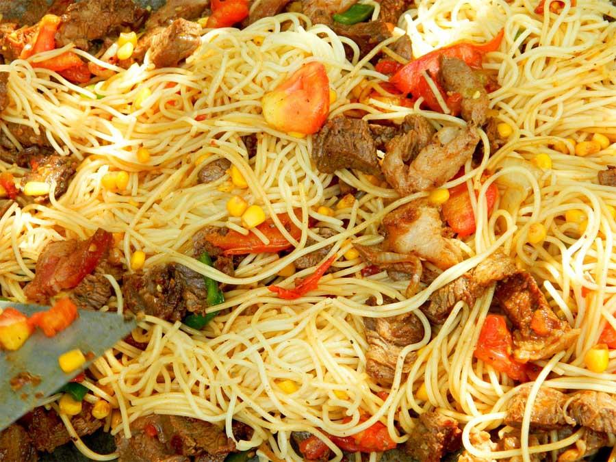 nudel pasta teller