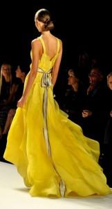 Gelbes Abendkleid