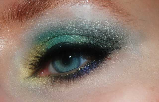 farbenfrohe-lidstrich-looks