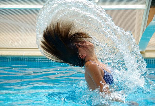 swimming-pool-woman