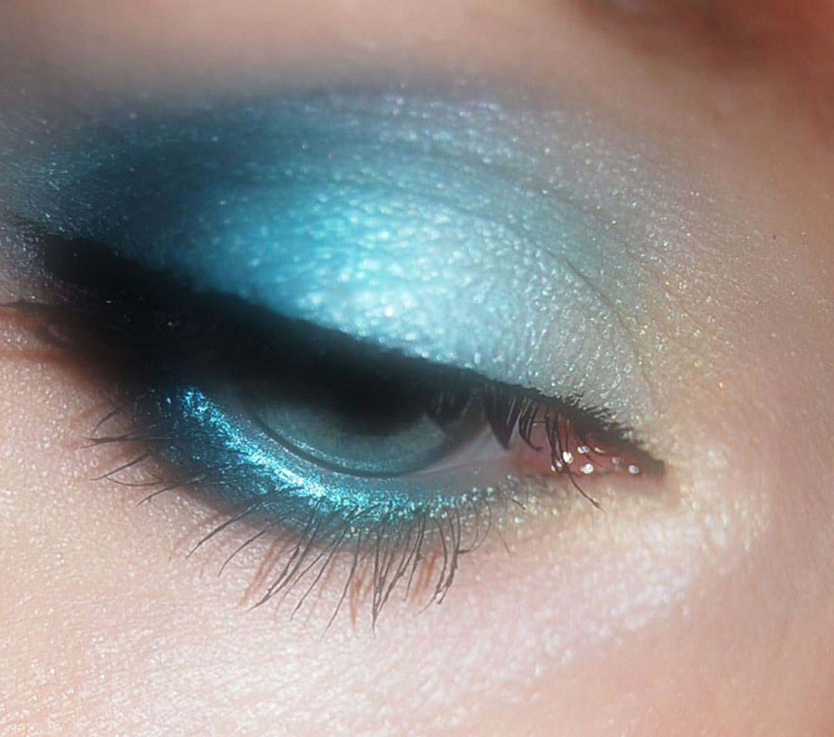 Azurblau Make Up
