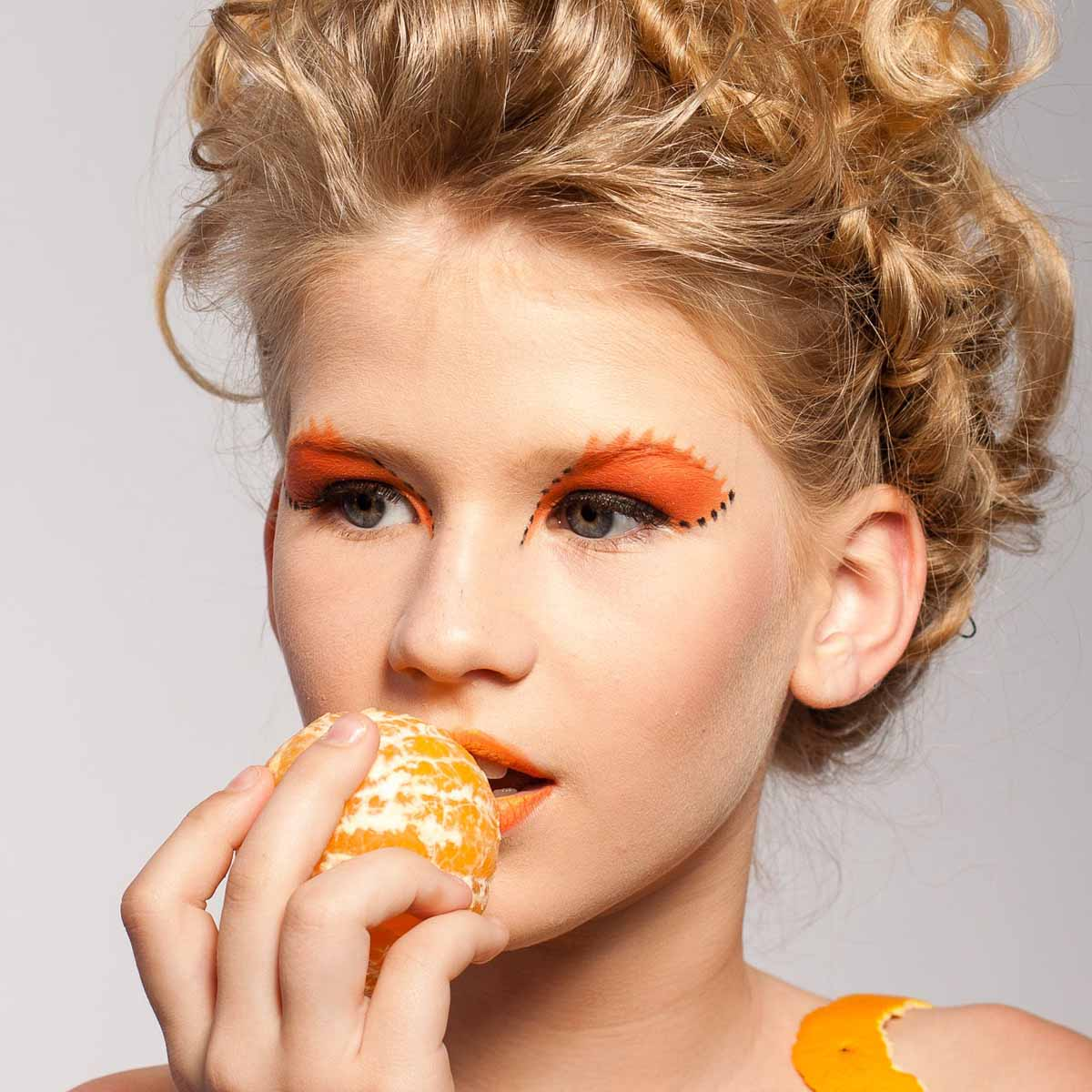 Orange Make Up