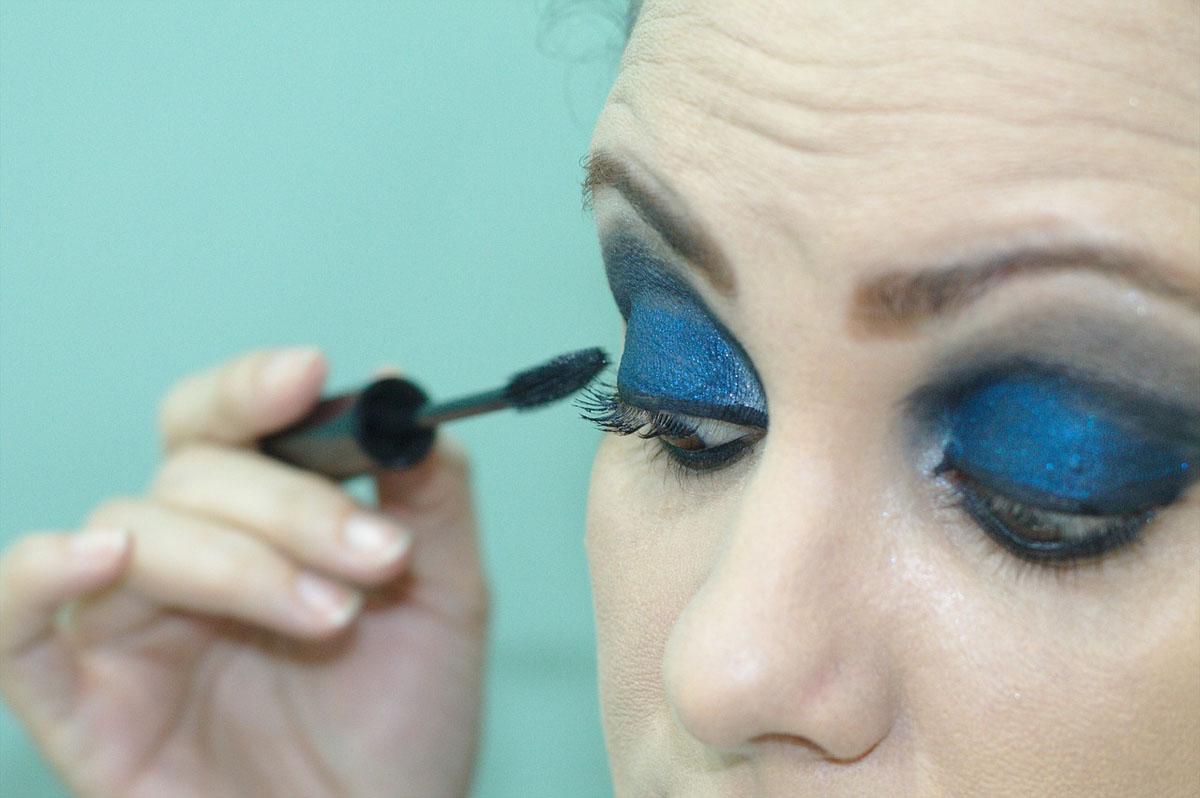 Augenmakeup Blau Dunkelblau