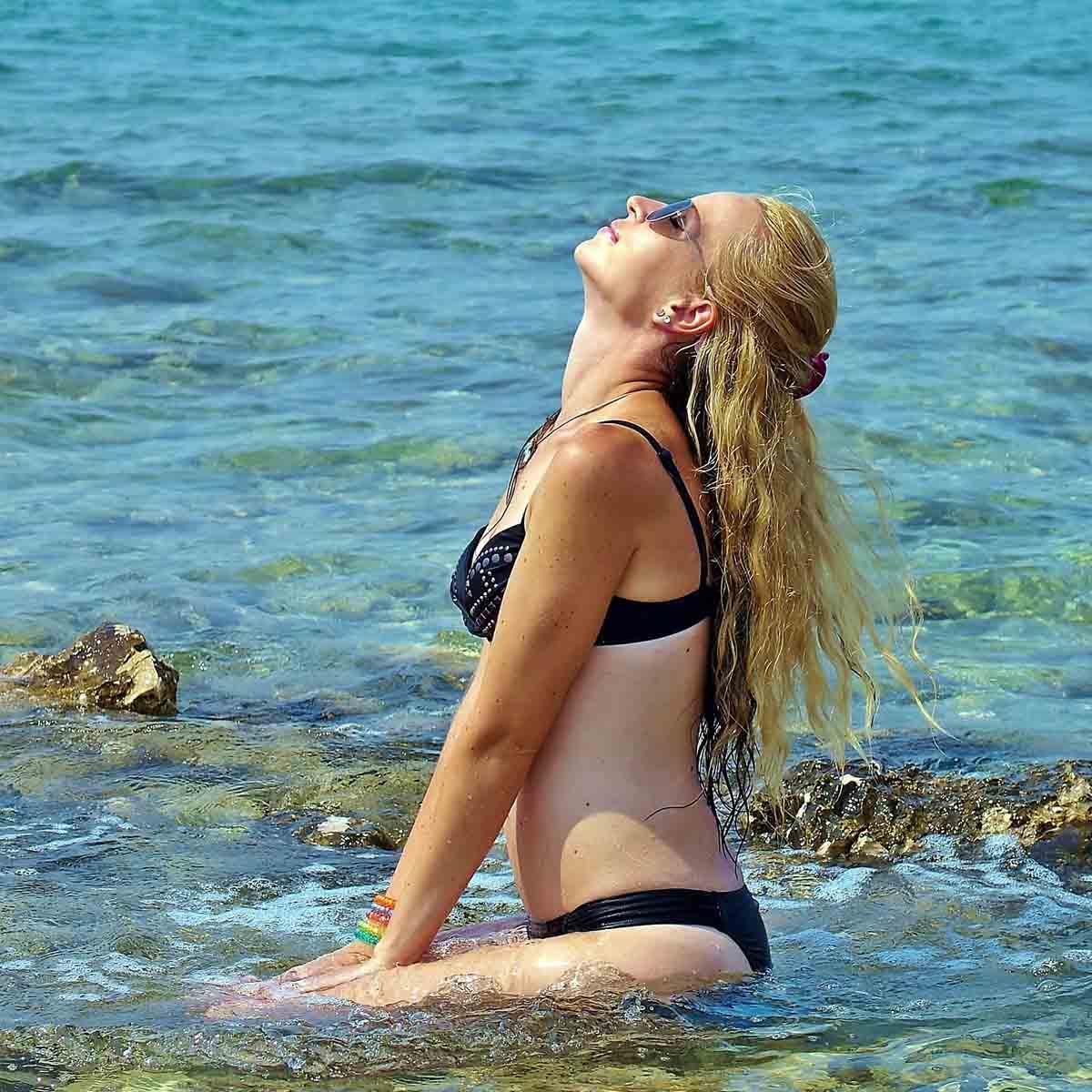 Meer Sonnenbad Haarschutz