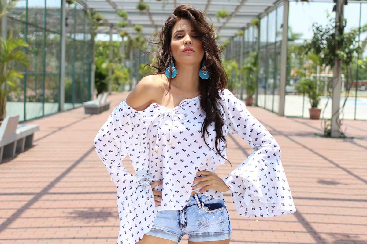 Carmenbluse Shorts Shirt