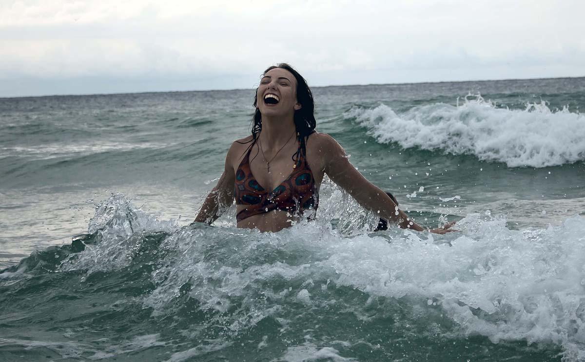 Bikini Welle Wasser