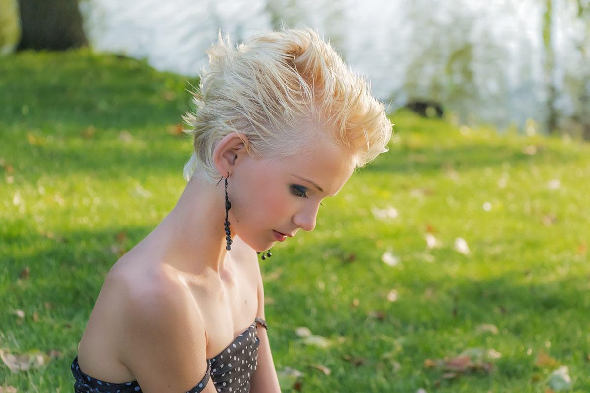 Punktekleid Haare Frau