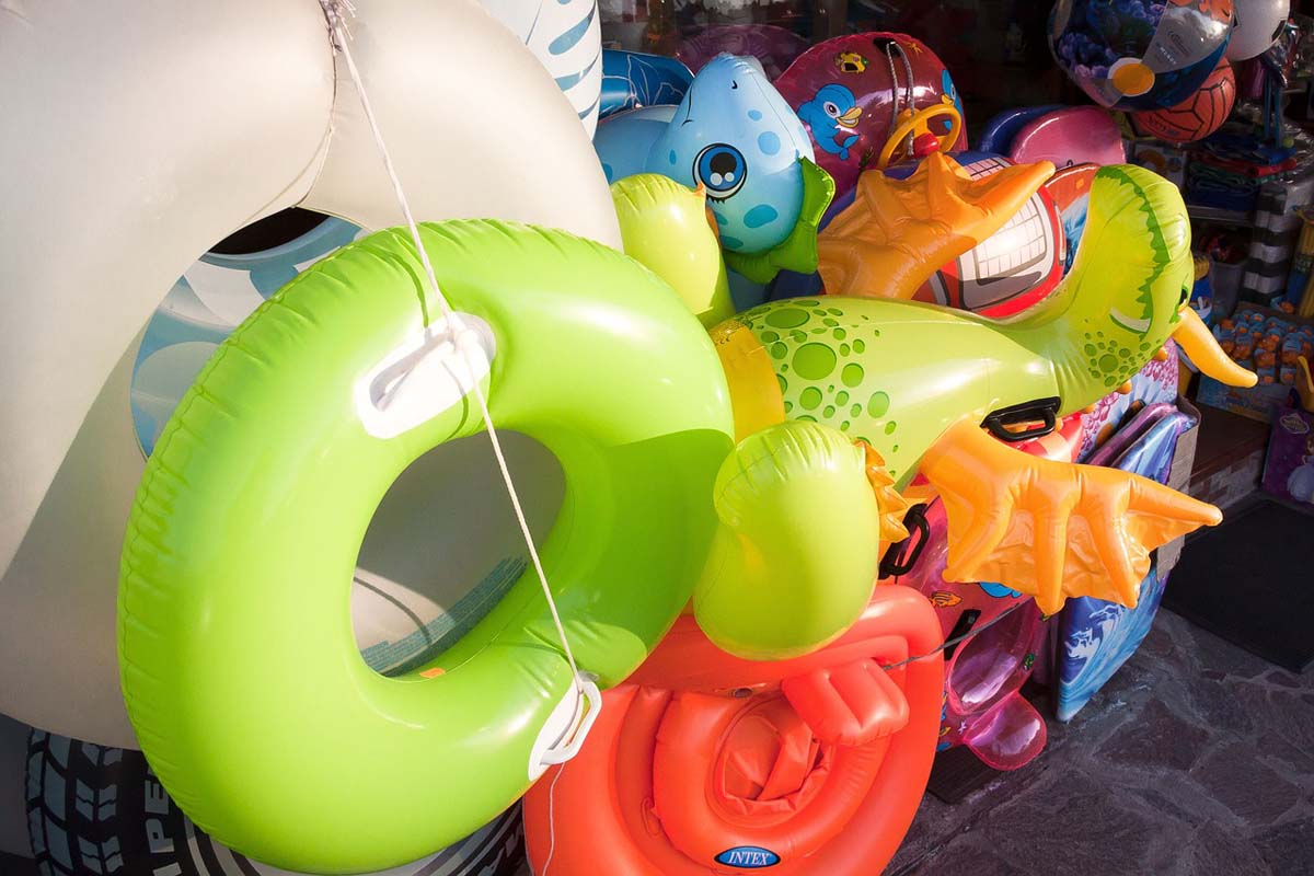 Schwimmring Luftmatratze Gummitier
