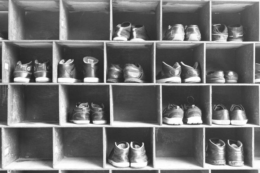 Schuhe Schuhregal Turnschuhe
