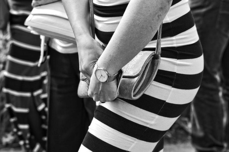 Streifenkleid Uhr Tasche