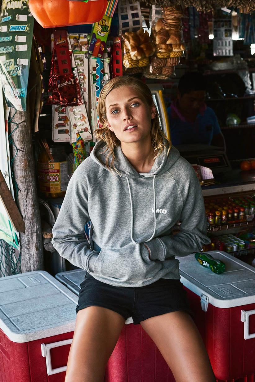 hoodie shorts frau modetrend