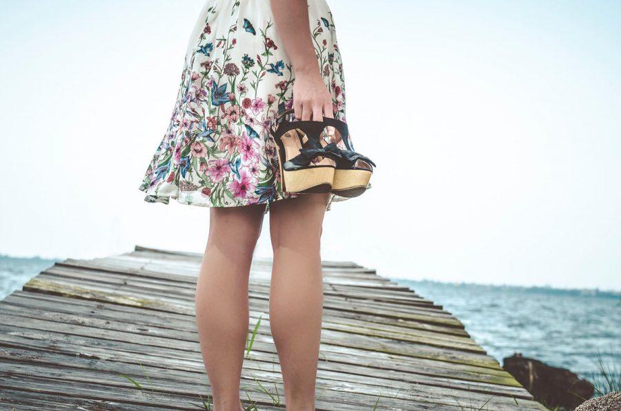kleid beine schuhe steg