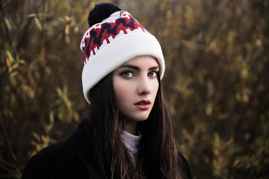 mütze frau haare mantel